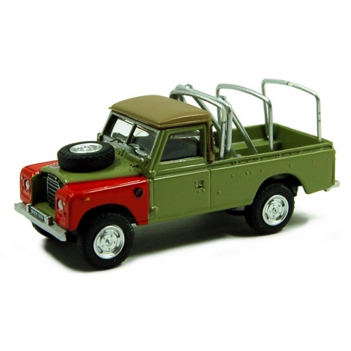 Land Rover Serie III 109 Pickup With Racks 1/72 (171